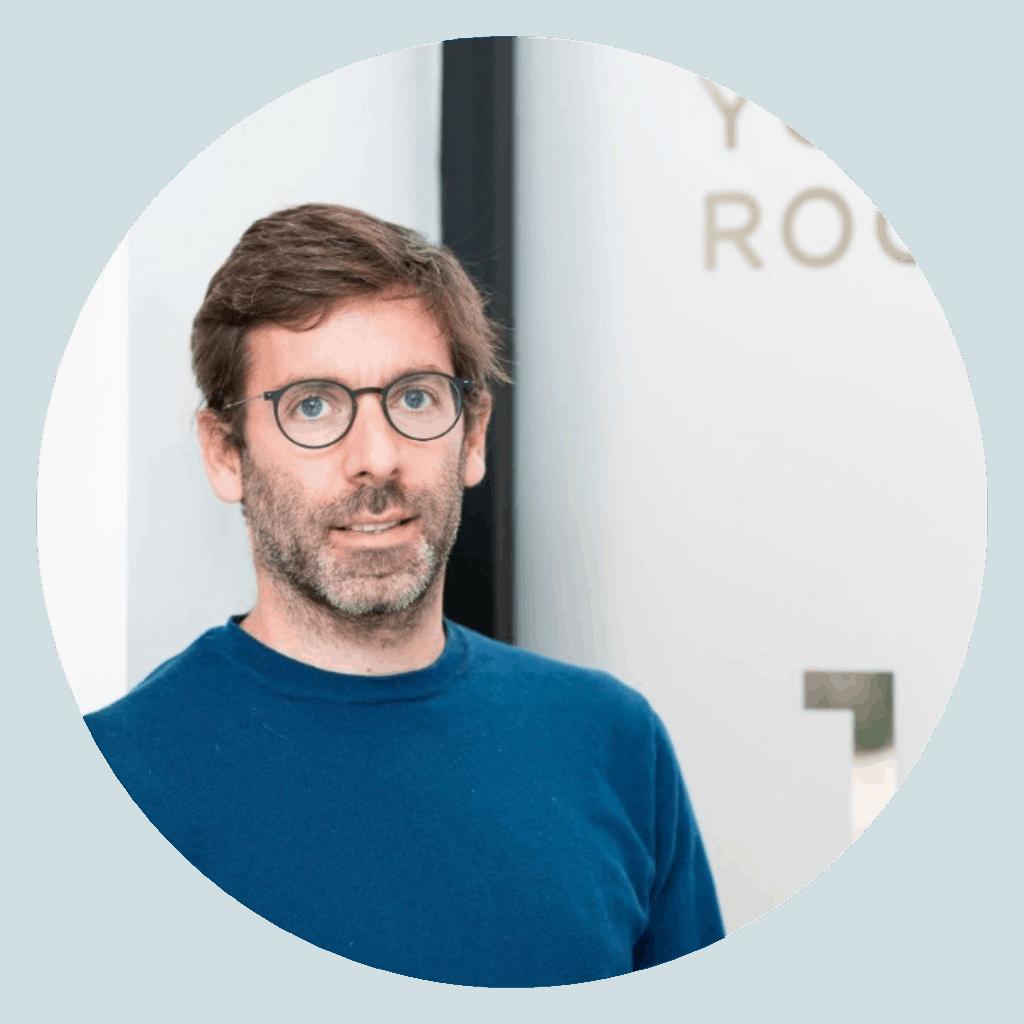 Pierre Rousseaux - Yoga room Round